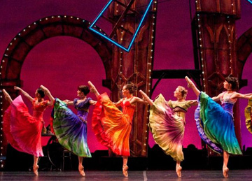Royal Winnipeg Wins With Moulin Rouge