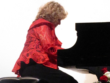 Ilana Vered Showcases Her Musicality