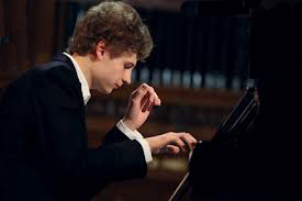 Russian Pianist Showcases His Talent at IPS