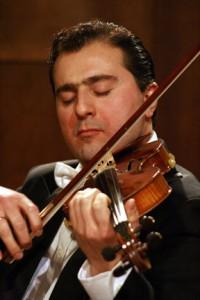 Library Society Hosts a 1715 Stradivarius